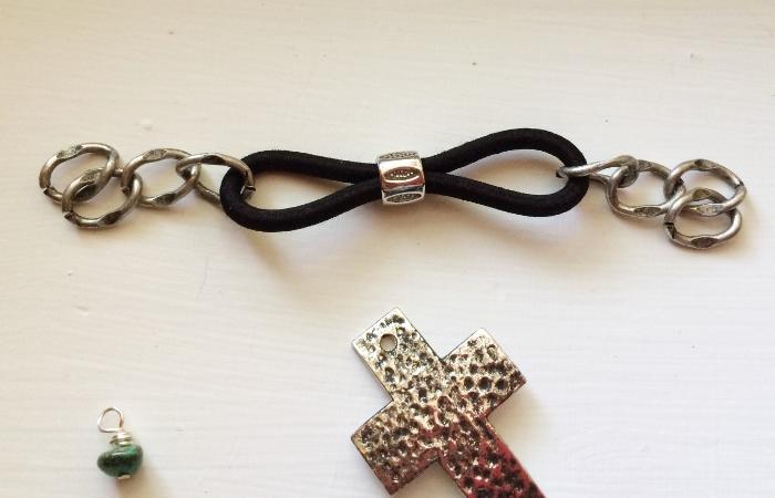 Cross Bracelet- Step 5